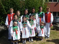 tracht-kinder-in-tracht